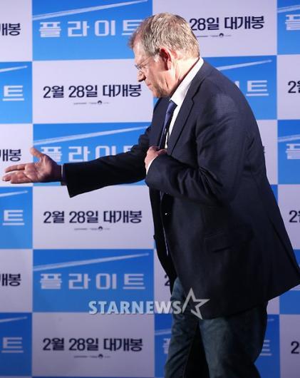 [★포토]로버트 저메키스 감독, '자리로 가도 될까요?'