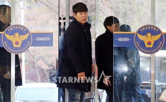 [★포토]강남경찰서 출두하는 강정호