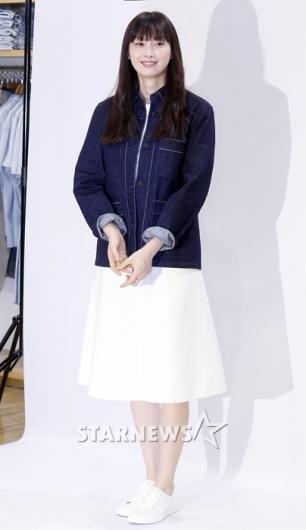 [★포토]이나영, '청자켓으로 멋낸 봄 패션'