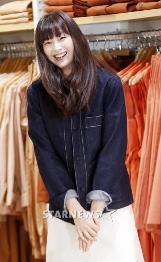 [★포토]이나영, '오랜만에 보는 청량한 미소'