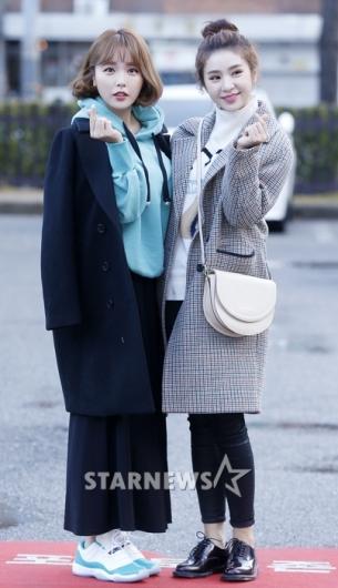 [★포토]홍진영-차오루, '둘이 합쳐 애교만점'