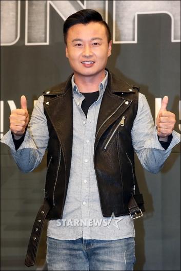 [★포토]유경욱 '정비하는 카레이서'