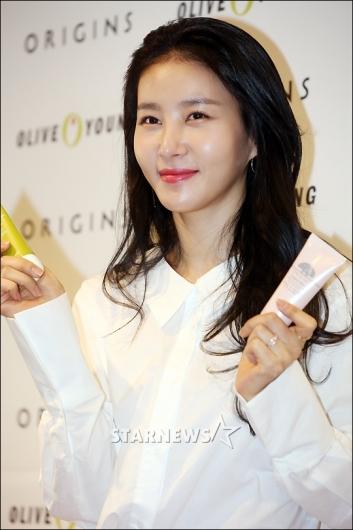 [★포토]김정민 '맑고 깨끗한 피부'