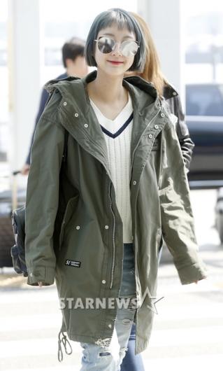 [★포토]혜린, '얼굴 절반 가리는 선글라스 쓰고'