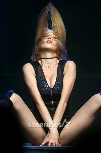 [★포토]레이샤, 수위 높은 섹시댄스