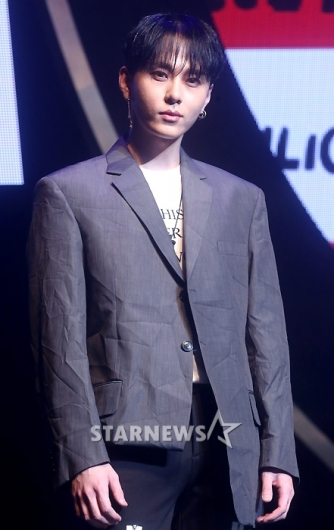 [★포토]용준형, '묘한 눈빛'