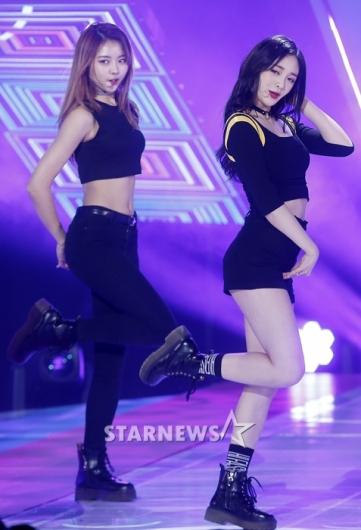 [★포토]나영-결경, '단연 돋보이는 두 멤버'