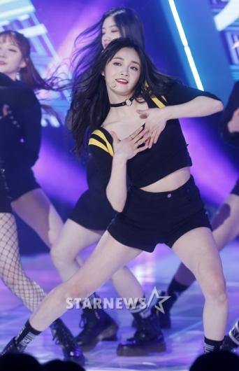 [★포토]주결경, '무대 휩쓰는 댄스'