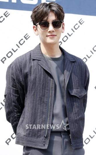 [★포토]지창욱, '선글라스로 가릴 수 없는 멋짐'
