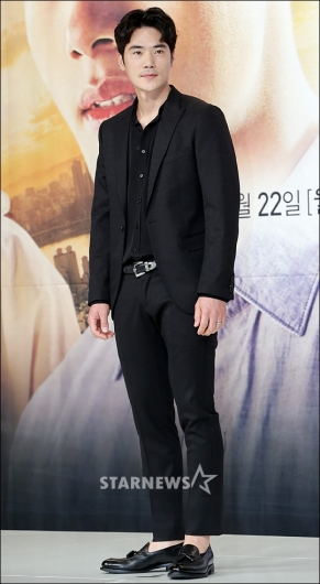 [★포토]김강우, '블랙이 잘 어울리는 남자'