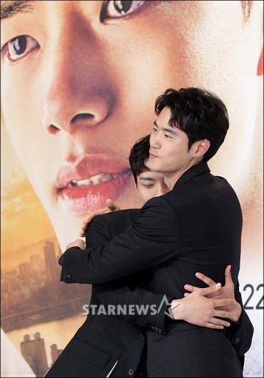 [★포토]김강우, '진구야 형한테 안겨'