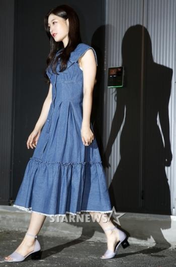 [★포토]정채연, '그림자까지 완벽한 청순미녀'