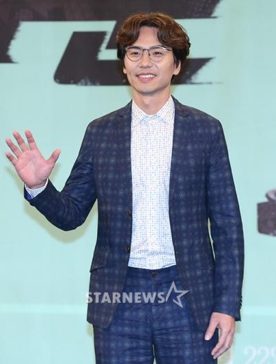 [★포토]김태훈, '열혈 검사입니다'