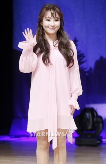 [★포토]조현아, '홍일점의 러블리 핑크'