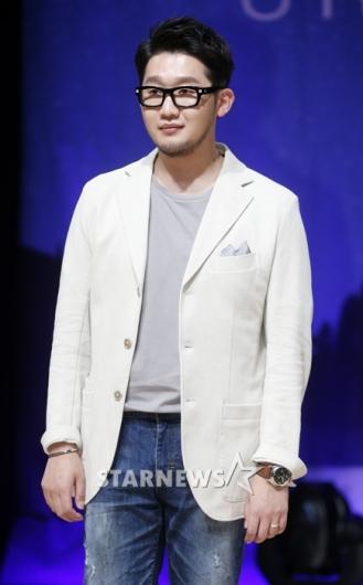 [★포토]박용인, '어반자카파의 유부남'