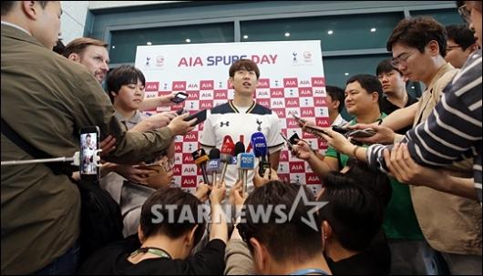 [★포토]한국인 시즌 최다골 인터뷰 갖는 손흥민