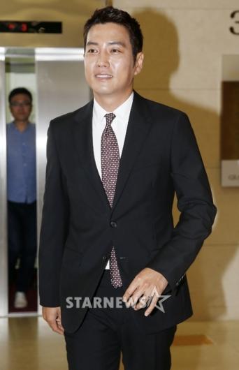 [★포토]주상욱, '새신랑의 깔끔한 수트'