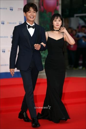 [★포토]정경호-장나라 '눈부신 레드카펫 커플'