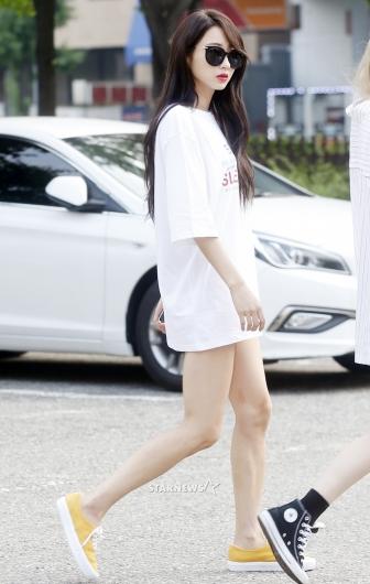[★포토]경리, '티셔츠 한장으로 끝낸 패션'