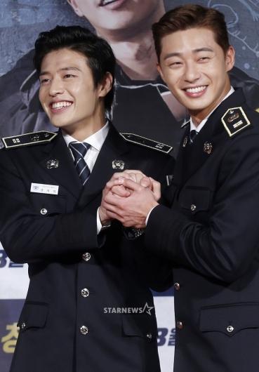 [★포토]강하늘-박서준, '두 손 꼭 붙잡고'