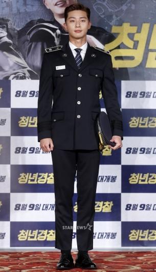 [★포토]'제복핏의 완성은 박서준'