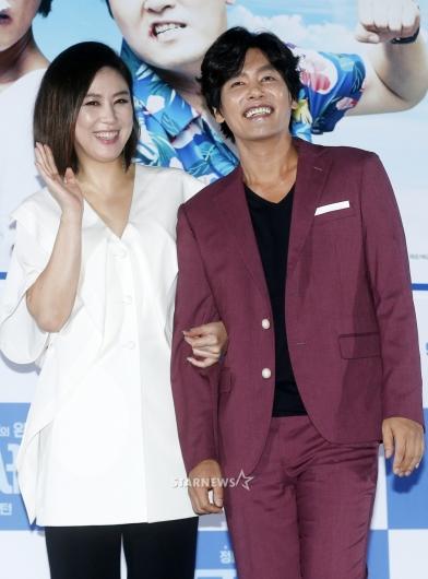 [★포토]김성경-최성국, '유쾌한 코믹부부'