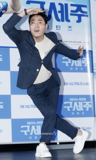 [★포토]이준혁, '웃겨도 너무 웃긴 포즈'
