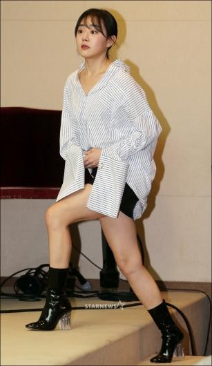 [★포토]문근영, '초미니 스커트 입고 등장'