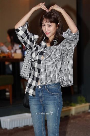 [★포토]전혜빈 '하트도 예뻐!'