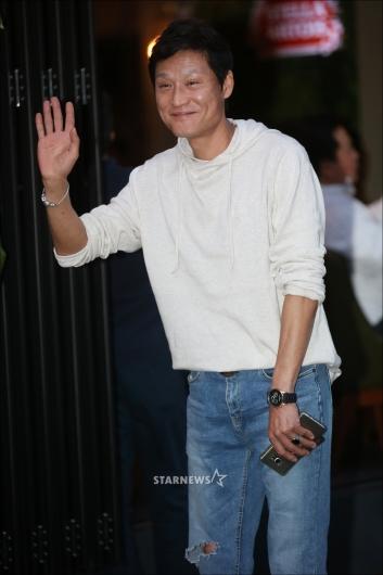[★포토]박정학 '수수한 인사'