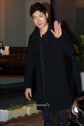 [★포토]유준상 '멋진 가을남자 패션'