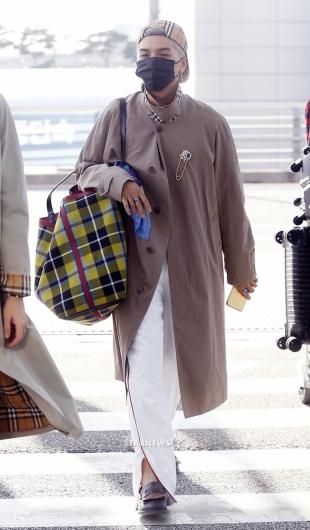 [★포토]송민호, '이런 패션 처음이야'