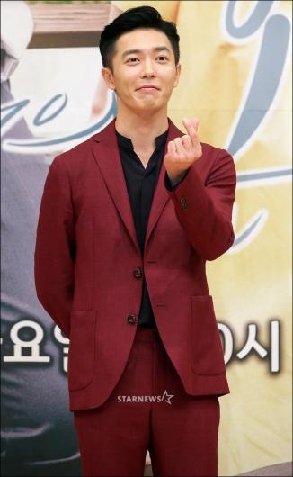[★포토]김재욱, '츤데레 하트'