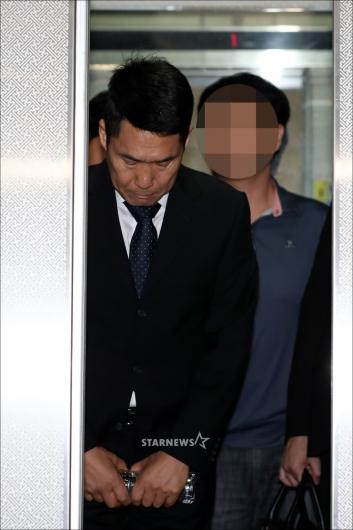 [★포토]고개숙인 이창명