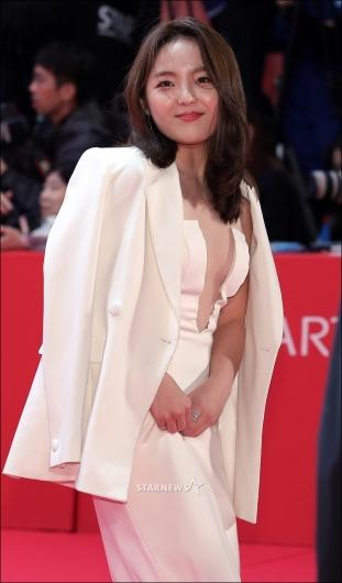 [★포토]서신애, '파격 드레스 입고 BIFF 참석'