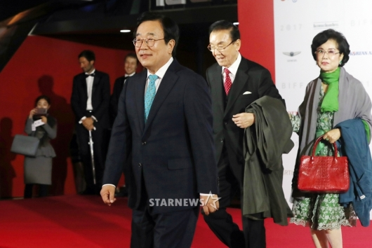 [★포토]부산국제영화제 개막식 참석한 서병수 시장