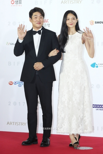 [★포토]안재홍-이솜, '저희 잘 어울리죠?'