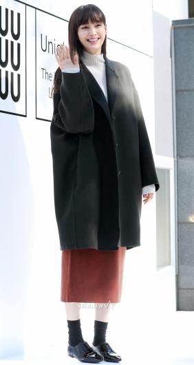 [★포토]이나영, '몸에 비해 커보이는 코트'