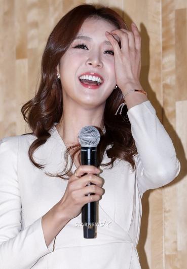 [★포토]배지현 아나운서, '사랑 받아 예쁜 미모'