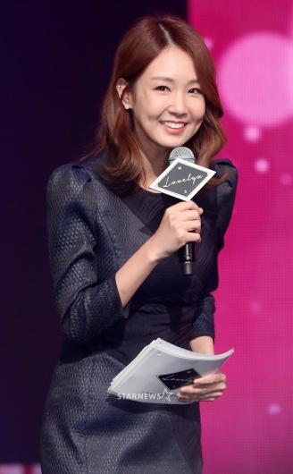 [★포토]오정연, '여전히 예쁜 미모로 인사'