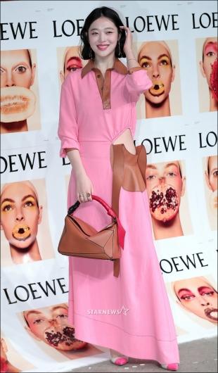 [★포토]설리, '러블리 핑크 패션 어때요?'