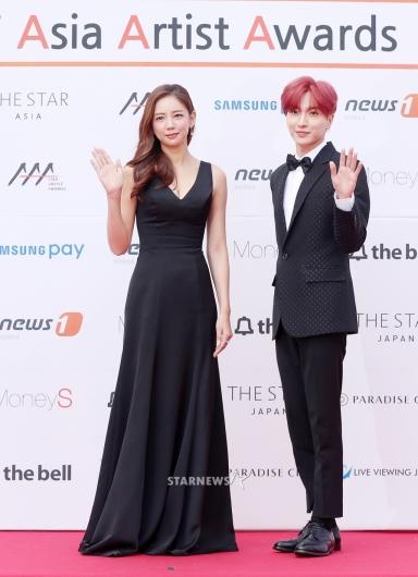 [★포토]이태임-이특, '2017 AAA의 진행 커플'