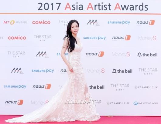 [★포토]박민영, 'AAA를 밝히는 드레스 여신'