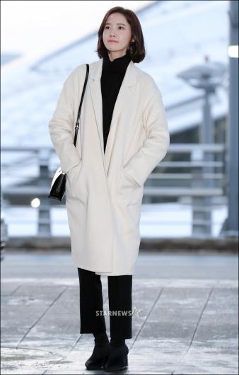 [★포토]윤아, '겨울 여친룩 공항패션'