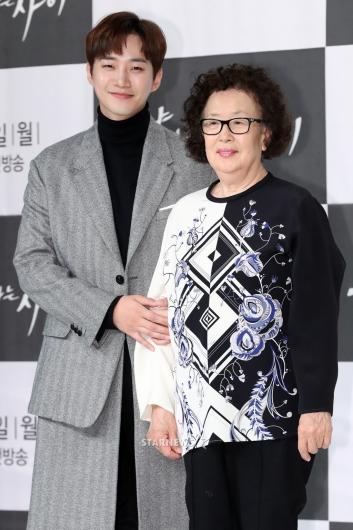 [★포토]나문희-준호, '엄마와 아들같죠?'