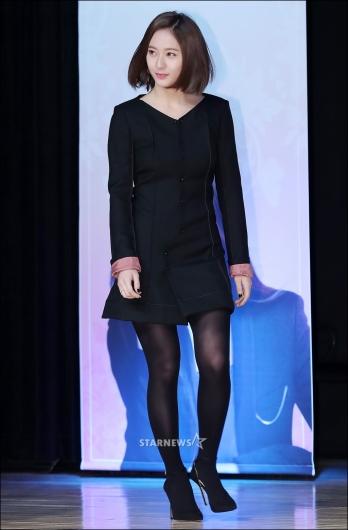 [★포토]크리스탈, '단아한 블랙 미니 원피스 입고'