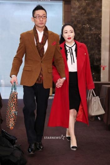 [★포토]왕진진-낸시랭 부부, '긴급 기자회견 참석'