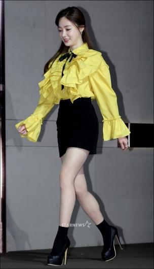 [★포토]양정원, '걷기도 힘든 송곳 킬힐'