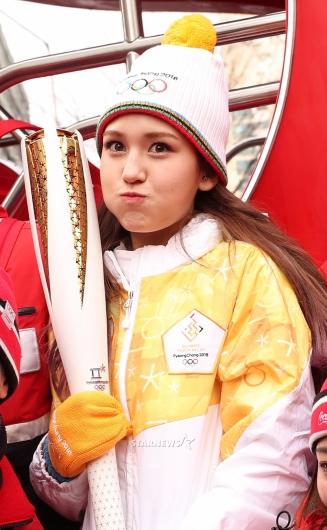 [★포토]전소미, '평창올림픽을 응원하는 귀요미'