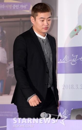 [★포토]안재홍, '짧은 헤어스타일로 등장'